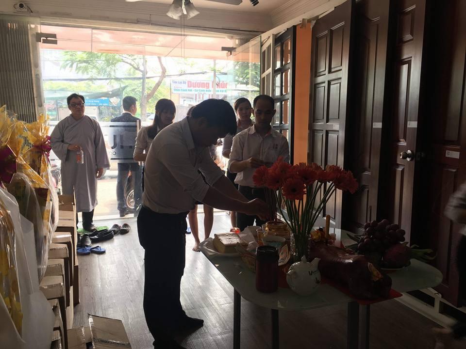 Công ty xây dựng Ngô Huỳnh cúng giỗ tổ ngành xây dựng 03