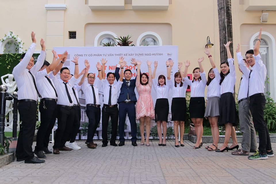 Ảnh công ty Ngô Huỳnh tất niên 2017 07
