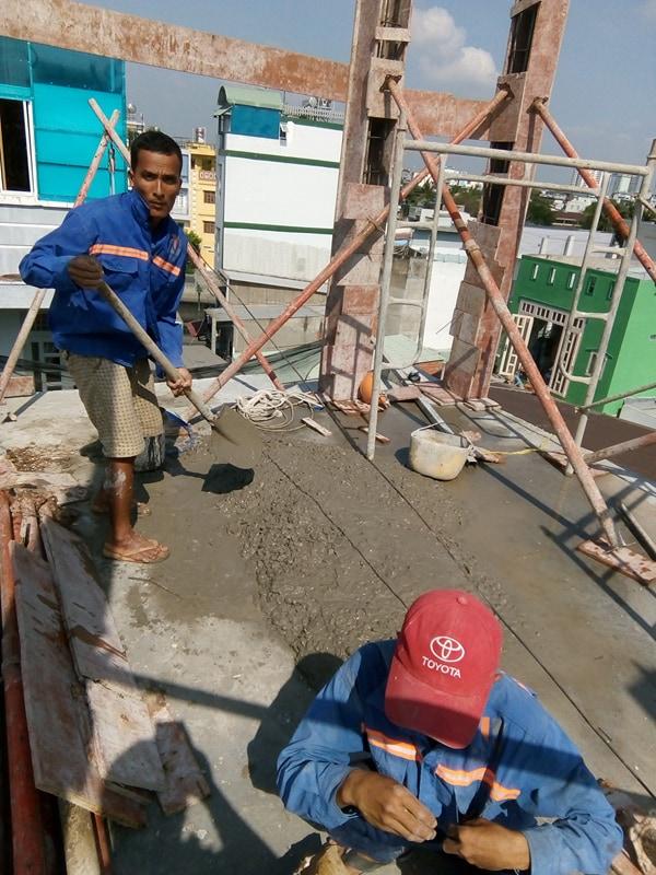 Ngô Huỳnh đổ bê tông cột nhà anh Trường Quận 6 02