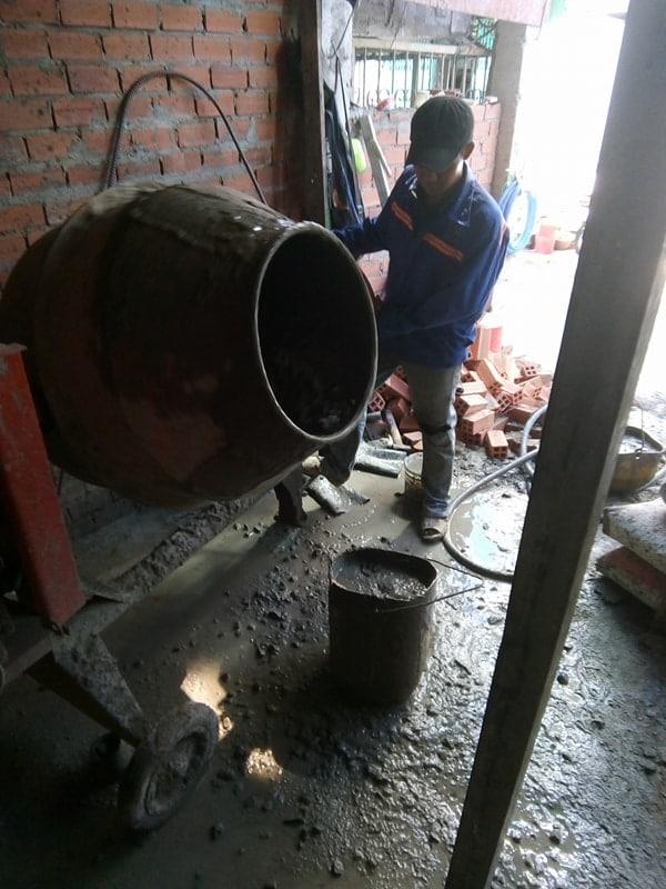 Ngô Huỳnh đổ bê tông cột nhà anh Trường Quận 6 03