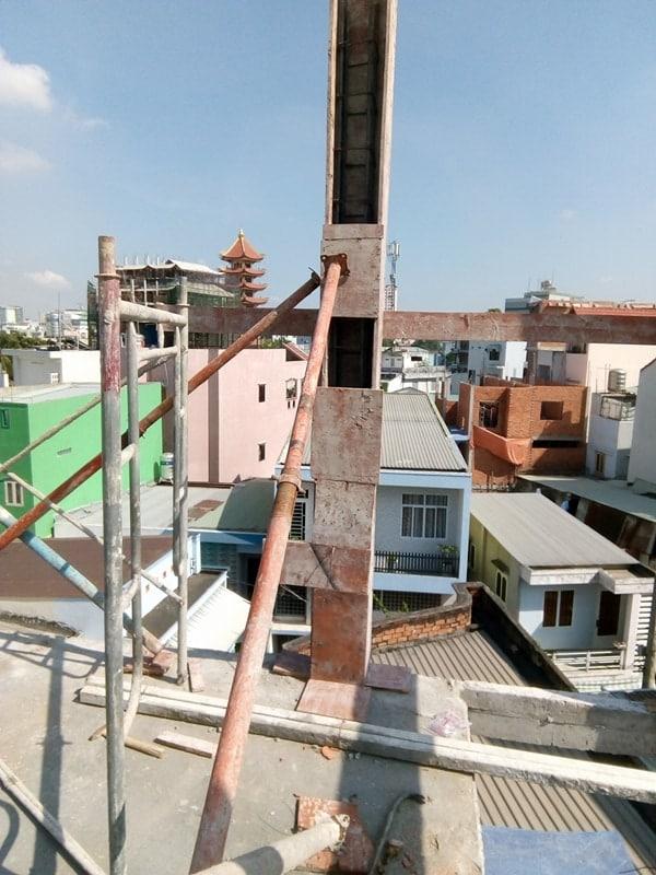 Ngô Huỳnh đổ bê tông cột nhà anh Trường Quận 6 01