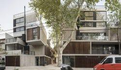Tòa nhà với kết cấu bê tông thân thiện cùng kiến trúc xếp hộp ấn tượng